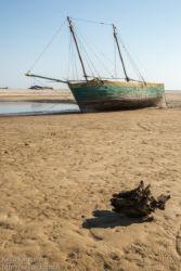 Laivanhylky rannalla