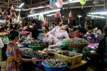 Markkinoilla, Siem Reap/Kamputsea